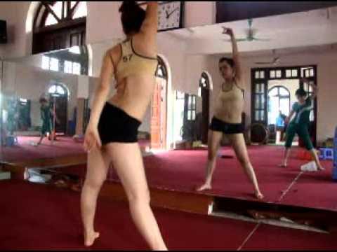 Thể dục thẩm mỹ - Thư giãn Tokyo 4p. LH: 0987375790