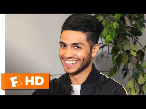 Mena Massoud Talks 'Aladdin' Casting & Hanging with Will Smith | 'Aladdin' Interview | Fandango