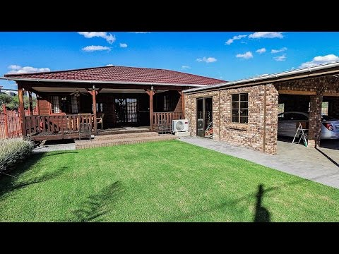 2 Bedroom House for sale in Northern Cape | Kimberley And Diamond Fields | Barkly West  |