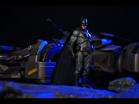 Bandai Tamashii Nations S.H. Figuarts Justice League BATMAN Action Figure Review