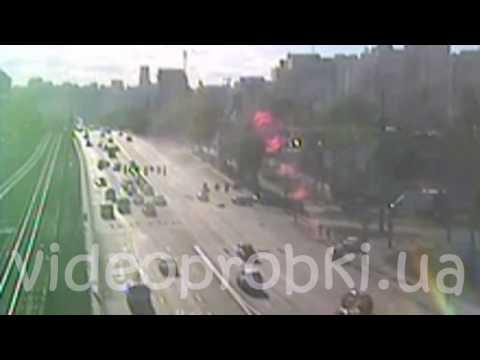Volkswagen Passat сбил байкера в Киеве