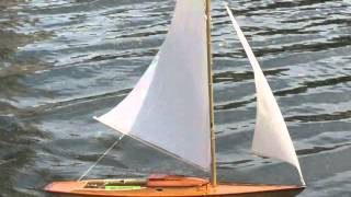 R/c Wooden Model Sailboat Sailing On Christian Science Pool Boston