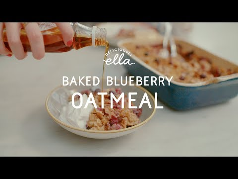 Baked Banana & Blueberry Oatmeal | Deliciously Ella | Vegan