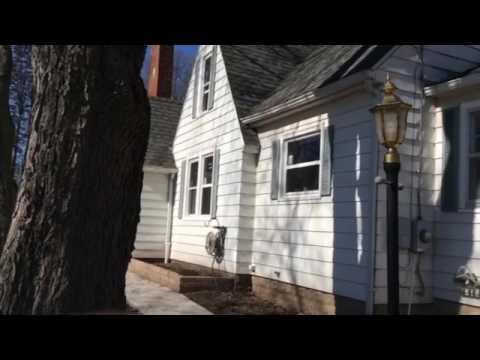 Single hung, home replacement windows, in Dixon, IL.