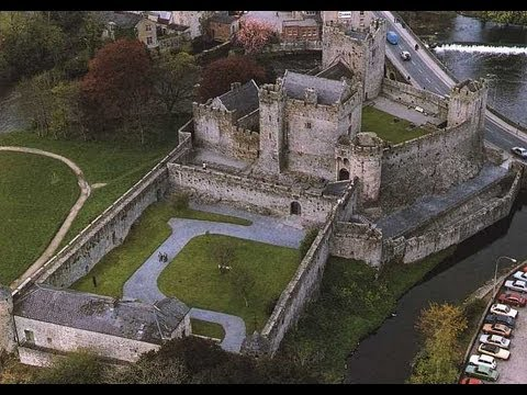 Exploring Cahir Castle - Ireland