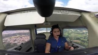 Primeiro Voo Solo - Franciele Oliarte - EJ Escola de Aviação