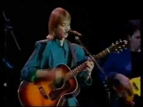 Suzanne Vega - Neighborhood Girls (Live Royal Albert Hall 1986)