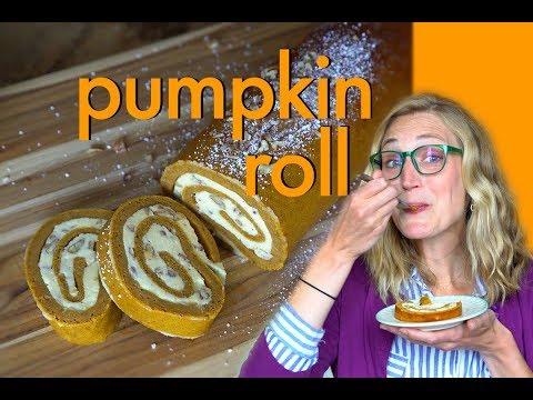 How to Make a Pumpkin Roll // Halloween Dessert!