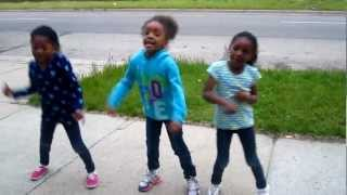 3 Kids Dancing To Stick It N Roll It