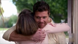 The Middle - Sean Donahue confesses his love to Sue--Sean confiesa su amor por Sue/Español/Inglès