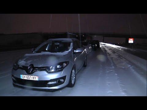 Dans l'Hérault, la neige coince des automobilistes dans leurs voiture