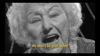 ホロコーストを生き残った御年96歳のデスメタルおばあちゃん。タレントショーに出演し、魂の叫びを絶唱する物語