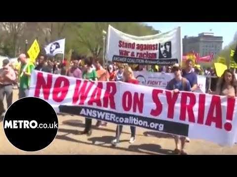 'Hands off Syria' protesters yell outside White House | Metro.co.uk