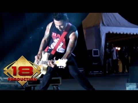 Superman Is Dead (SID) - Bulan Dan Ksatria  (Live Konser Yogyakarta 6 September 2014)