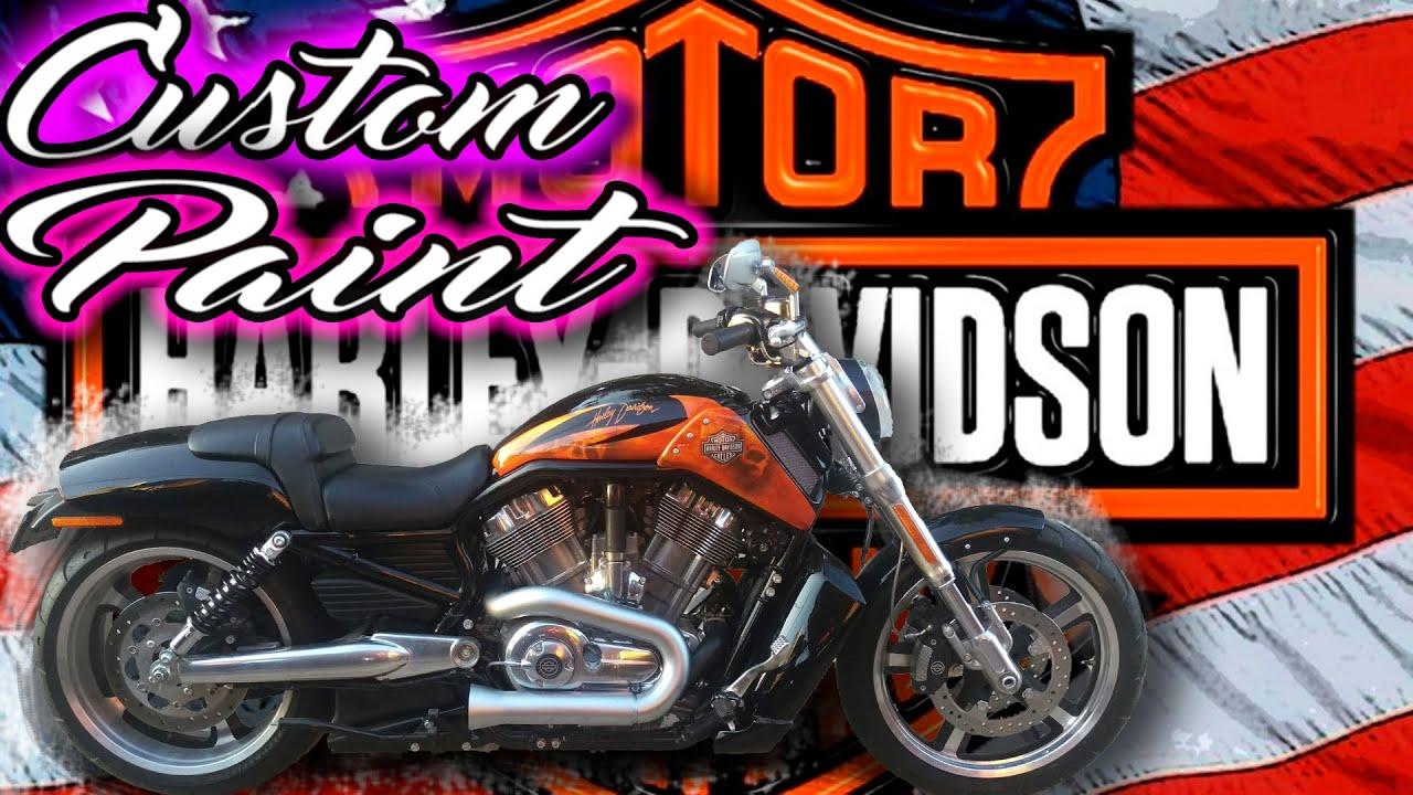 Harley Davidson V ROD Muscle   Custom Skull paint job...