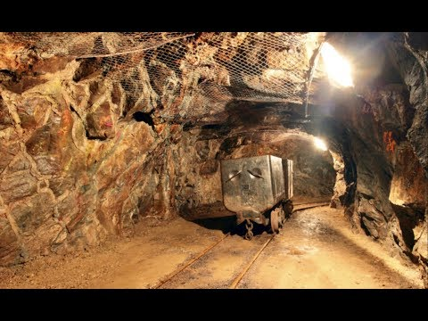 EXPLORING HAUNTED GOLD MINE!!