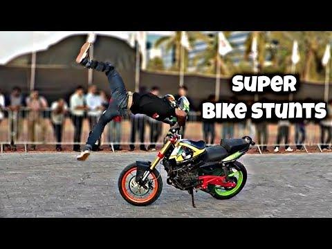 Times of India Motor Show 2017   Surprises inside   Bike stunt Show   Vlog#4