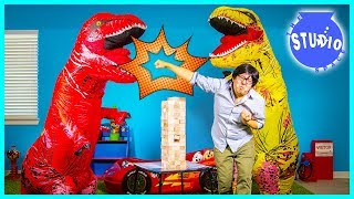 Baixar Giant Life Size T-Rex Dinosaurs Crash the Office and Play Jenga!!!