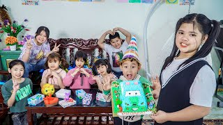 Kids Go To School | Chuns And Best Friends Make a Birthday Cake For Your Brother While Sleeping