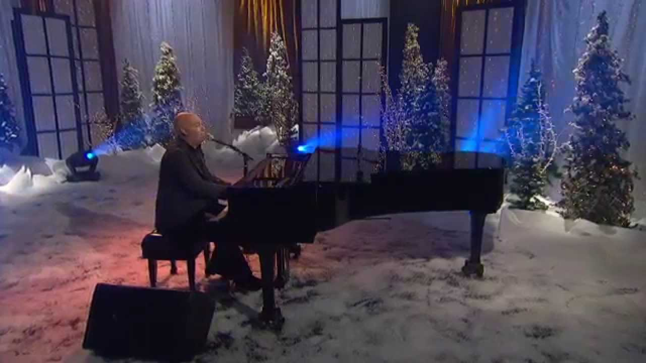 Mark Schultz - Different Kind of Christmas (Live) - YouTube