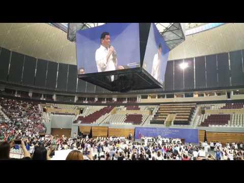 """Duterte sings """"Ikaw"""" #QatarStateVisit"""