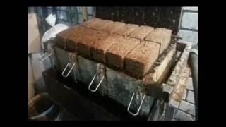 видео Топливные брикеты своими руками!!!Принцип действия пресса, для производства топливных брикетов!!!