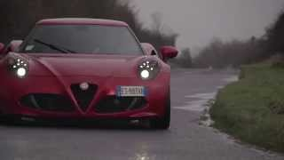 CHRIS HARRIS ON CARS - Alfa 4C v Porsche Cayman S