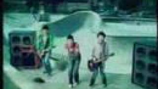 Jonas Brothers - American Dragon HQ