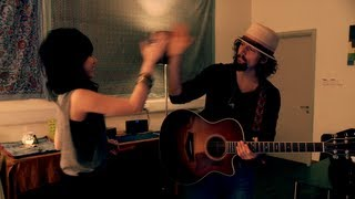 G.E.M. & Jason Mraz rehearse LUCKY (chinese version) @ iTunes Live Hong Kong backstage