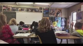 Учитель выпрыгнул из окна во время урока по безопасности