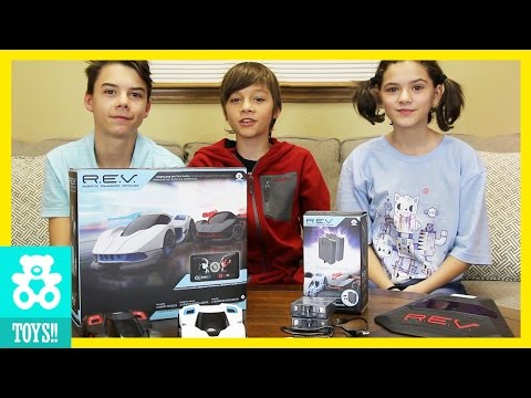 REV BATTLE!  With R.E.V Cars from WowWee!  |  KITTIESMAMA