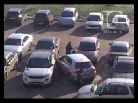 Женщины на парковке: без комментариев