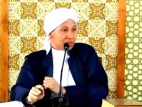 Hukum Bacaan Al Quran Langgam Jawa | Buya Yahya Menjawab