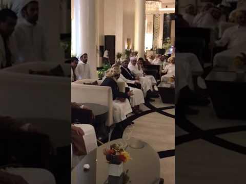 فيديو: اجتماع للشيخ حميد الأحمر مع جموع من مشايخ اليمن للتشاور في الرياض