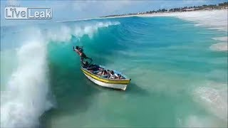 Small Boat Gets Smashed By Hard Waves