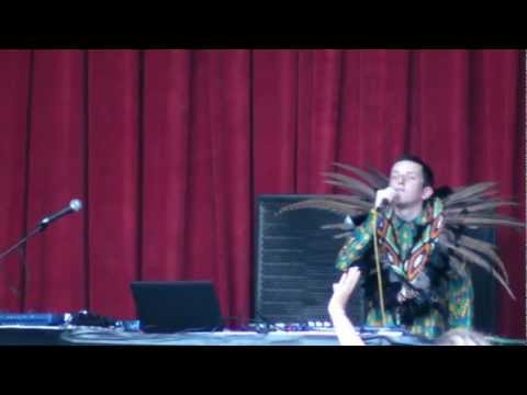 """Totally Enormous Extinct Dinosaurs """"Household Goods"""" live @ Sonar by Day, Barcelona, 2012"""