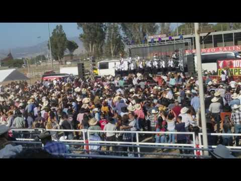Asi recibieron a la Banda el Recodo en Salinas California