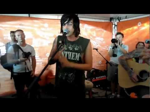 Sleeping With Sirens - Stomach Tied In Knots Live Tinley Park 2012