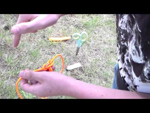 how-to-make-a-quick-and-easy-paracord-keychain-(cobra-weave)