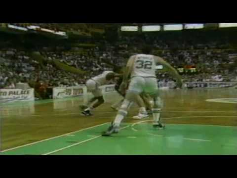 Michael Jordan Crossover on Kevin McHale and Tomahawk Dunk vs.Celtics