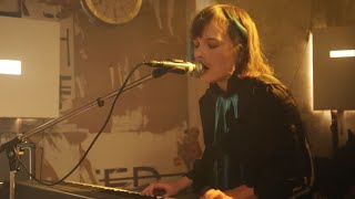 Jolly Goods -  If I Were A Woman // Live at Antje Oeklesund Berlin