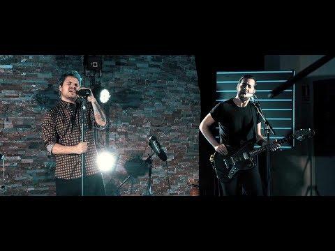 DINERO - Bajo Cero (con Dani Martín) (Videoclip Oficial)