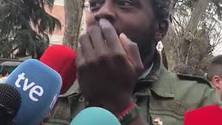 El afiliado de Vox Bertrand Ndongo, increpado en la manifestación del 8M en Madrid
