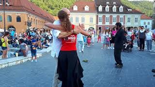 Tango in Piata Sfatului din Brasov