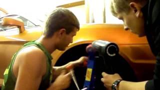 Раскатка арок(Раскатка колесных арок Tiburon., 2011-06-28T13:55:46.000Z)