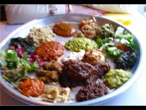 Assortiment De Légumes Et Plat Au Restaurant éthiopien Entoto à - Cuisine ethiopienne
