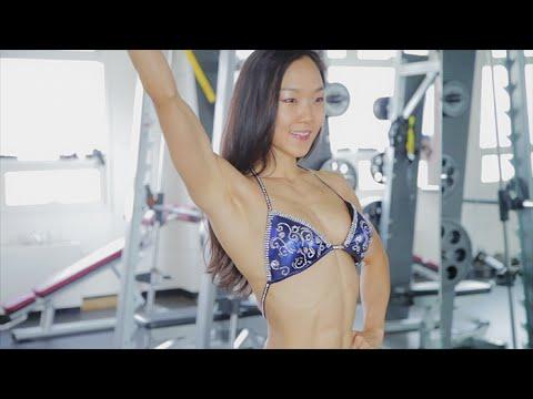 Sexy fitness posing practice – lee jin won