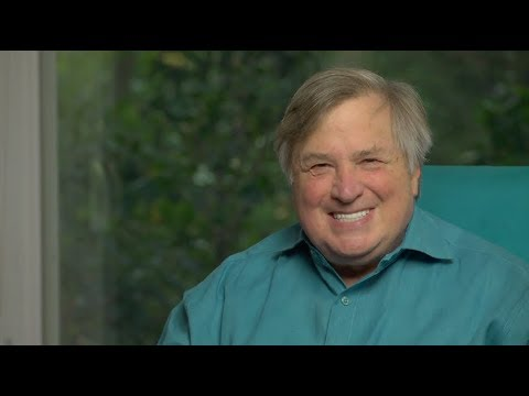 The Incredible Shrinking Hillary! Dick Morris TV: Lunch ALERT!