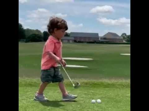 Ron-DeSantis-3-year-old-son-golfing...-LOOK-AT-THAT-LITTLE-CHAMPION🤗🤗🤗