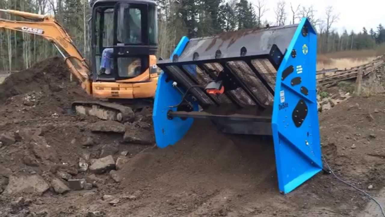 Excavator with bobcat topsoil screening youtube for Topsoil screener